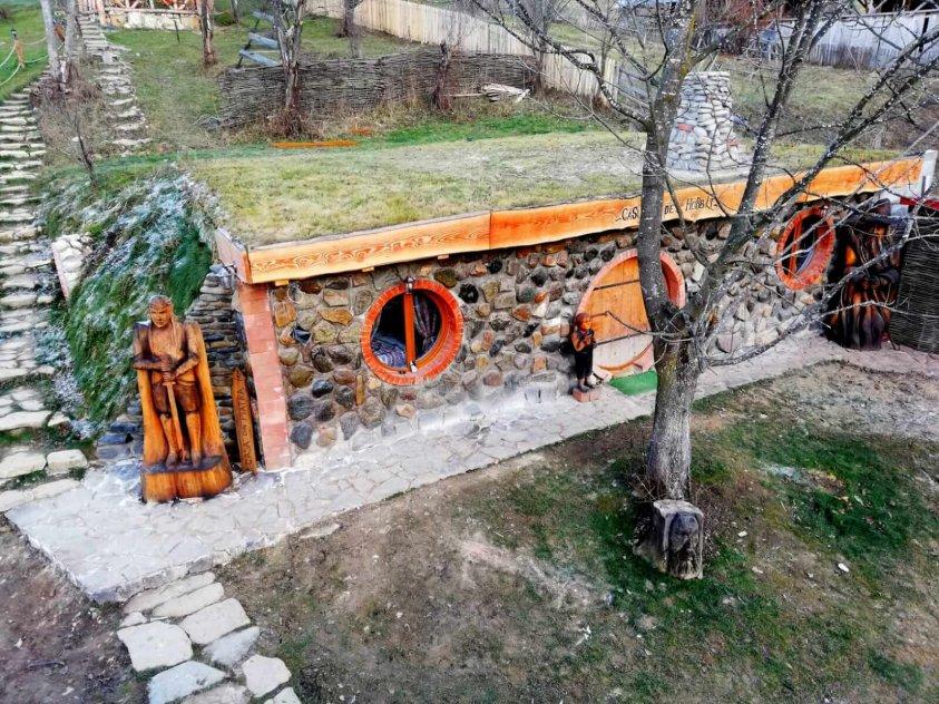 Căsuța de Hobbit Poiana