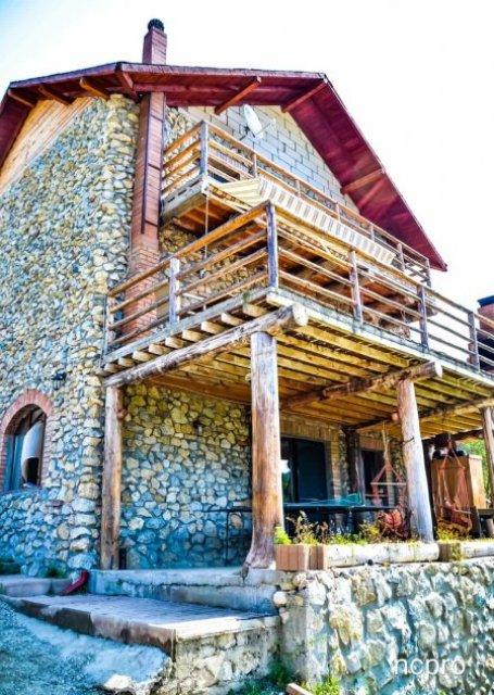Pensiunea Casa din Piatra Poiana